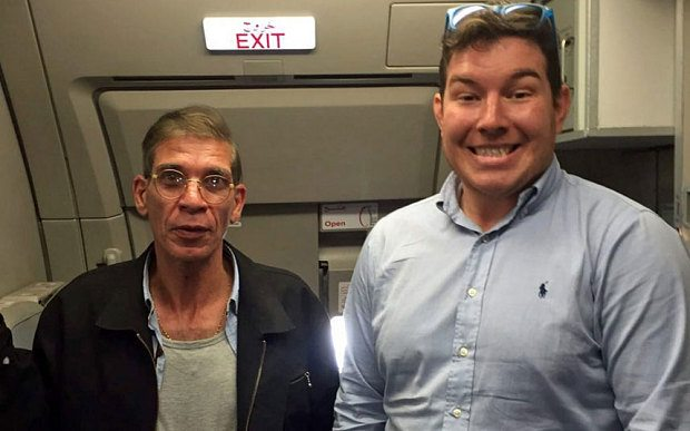 Ben Innes in a photograph alongside the hijacker (PHOTO: Twitter)