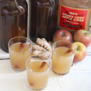 Apple Cinnamon Ginger Kombucha | Photo: Living Well Kitchen