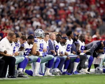 Dallas Cowboys Take A Knee